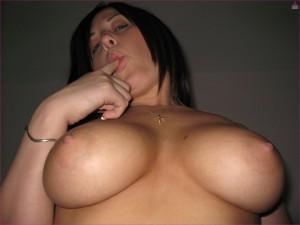 Brunette naaktfoto