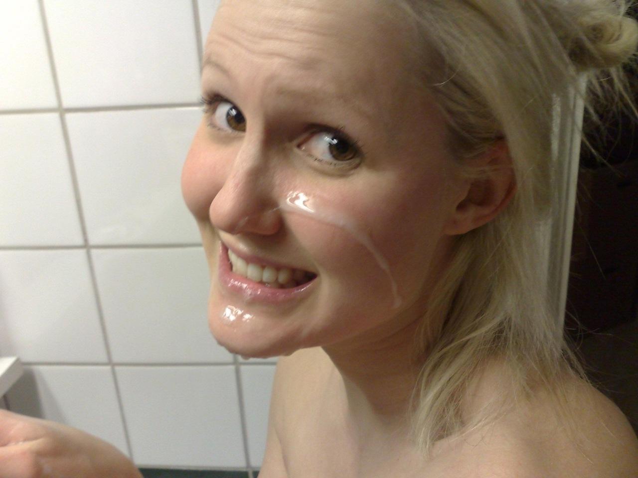 hot nude girls facials